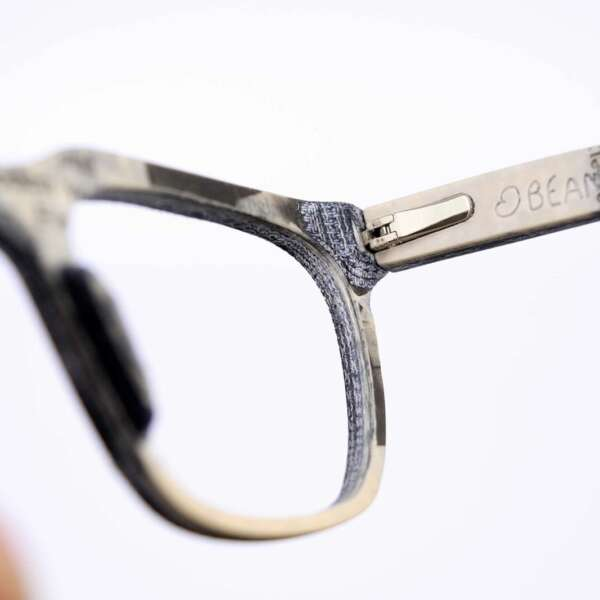 Upcycling Jeans Brille mit Papier